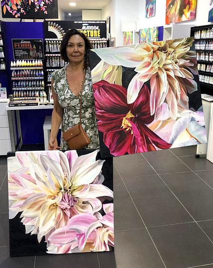 Tanya Williams Close Focus Flowers Paintings